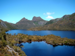 5-80-cradle_mountain_behind_dove_lake